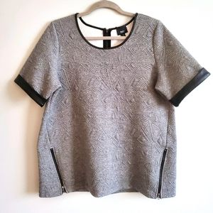 XL   Textured Gray With Black Shirt